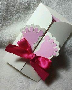 Crea hermosas invitaciones hechas a mano para tu baby shower        Utiliza tu creatividad para crear bellas y tiernas invitaciones de bab...