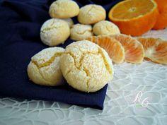 Ogni momento è ideale per gustare questi deliziosi biscotti morbidi all'arancia. Sono facilissimi e si preparano in pochi minuti...
