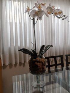 Aprenda a fazer arranjo de orquídeas artificiais! Veja o passo a passo aqui!