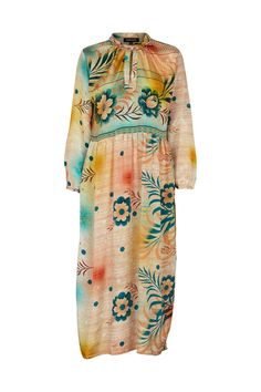 This dress has a flowy, loose fit and can be opened at the neck by a  button. The dress is multifunctional and can for be used at the beach or  later at the bar.  The dress is made of the fabric from an up-cycled vintage sari from India,  and used to belong to a local Indian woman. Now the top