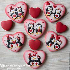 Купить Набор пряников Влюбленные Пингвины - имбирные пряники, имбирные пряники купить Heart Cookies, Cute Cookies, Cupcake Cookies, Sugar Cookies, Valentines Day Cakes, Valentine Cookies, Cookie Icing, Royal Icing Cookies, Gingerbread Icing