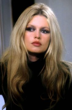 too school for cool, If housemates a Bridget Bardot haircut what . - too school for cool, If housemates a Bridget Bardot haircut what . Bridgitte Bardot, Brigitte Bardot Style, Bridget Bardot Makeup, Brigitte Bardot Hairstyle, Bardot Bangs, Actrices Hollywood, French Actress, Classic Beauty, Belle Photo