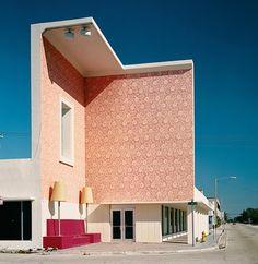 Binnen-buiten of vice-versa bij de woonkamer in Miami van Roberto Behar en Rosario Marquardt.