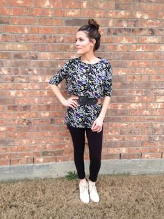 LuLaRoe ~ Irma Top (Tunic) & black leggings. Cute!