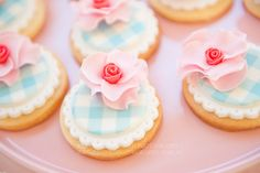 sweet gingham and rose cookies