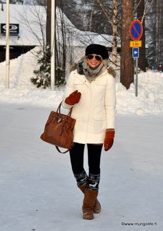 cute winter style... For when I move to Chicago ugg Cyber Monday View More: www.yi5.org