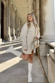 Fall Fashion Outfits, Casual Winter Outfits, Mode Outfits, Stylish Outfits, Spring Outfits, Winter Skirt Outfit, Winter Dresses, Elegantes Business Outfit, Types Of Fashion Styles