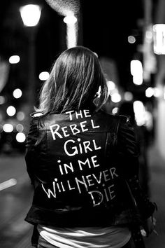 ImageFind images and videos about girl, black and white and rebel on We Heart It - the app to get lost in what you love. Looks Black, Black And White, Moda Rock, Mode Geek, Girl Meets World, Badass Women, Biker Girl, Girl Power, Ideias Fashion