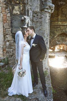 Esküvői fotózás Tatán - Esküvői fotós, Esküvői fotózás, fotobese Wedding Dresses, Fashion, Bride Dresses, Moda, Bridal Gowns, Fashion Styles, Weeding Dresses, Wedding Dressses, Bridal Dresses