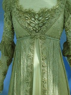 This is the dress Drew Barrymore wore in the movie Ever After. The designer wanted to make it as authentically 15th/16th century England as possible. I say she nailed it.