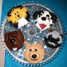 What a cute idea for a child's birthday party! Every guest gets their own cupcake!