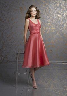 A-line Scoop neck Knee-length Satin, Organza Wedding Party Dress