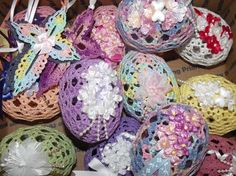 Lacy Easter Eggs - these remind me of some crocheted Easter Eggs my mom used to have.