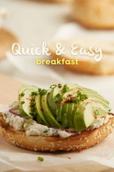 Quick, easy, delicious and healthy recipes to kick off the morning! Quick And Easy Breakfast, Healthy Breakfast Recipes, Healthy Recipes, Avocado Breakfast, Avocado Toast, Avocados From Mexico, Reap The Benefits, Avocado Recipes, Smoothies