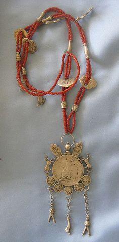 Guatemalan coin milagro Beads Jewelry, Coral Jewelry, Tribal Jewelry, Jewelry Box, Jewelry Accessories, Jewelry Design, Jewelry Making, Jewellery, Ancient Jewelry