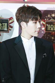 Sunggyu Infinite Leader at KBS Gayo Daechukje Red Carpet #INFINITE #Sungkyu #SUNGGYU #gyu #RedCarpet #KBS