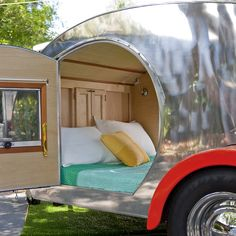 Teardrop trailer: Cozy camping without a tent