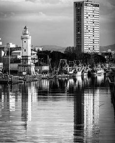 Rimini Italy - //// E se la vita minaccia pioggia tu conserva sempre un raggio di sole di te - Giorgia Stella //// #rimini #italy #romagna #bnw_emiliaromagna #seascapes #earthpix #lighthouse #bw #blackandwhite #thephotosociety #bnw #canon #vivorimini #ig_italia #ig_italy #volgoitalia #ig_rimini #natgeovisual #natgeo #landscapelovers #landscape #picoftheday #travel #splendid_reflections #igers #paolojommi #natgeoyourshot #turismoer #instatravel #emiliaromagna_super_pics by paolojommi