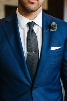 Navy Blue Groom Suit with Tie Clip Blue Suit Black Tie, Navy Suit Tie, Black Groomsmen Suits, Dark Navy Suit, Navy Blue Groom, Blue Suit Men, Navy Suits, Suits For Groom, Navy Blue Tuxedos
