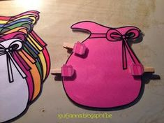 Juf Janna: Sint & Piet Scrap Fabric Projects, Fabric Scraps, Sorting Colors, Fabric Basket Tutorial, Fabric Ornaments, Saint Nicholas, Busy Bags, Coloring For Kids, Sewing Tutorials