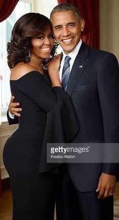 One classy couple! Barrack And Michelle, Michelle And Barack Obama, Black Celebrities, Celebs, Obama Photos, Presidente Obama, Barack Obama Family, Michelle Obama Fashion, Gta San Andreas