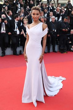 Irina Shayk Puts a Glamorous Spin on New Mom Beauty at the 2017 Cannes Film Festival