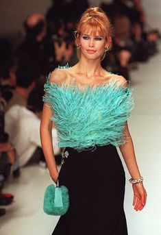 80s And 90s Fashion, Runway Fashion, Fashion Models, High Fashion, Fashion Show, Fashion Outfits, 90s Models, Claudia Schiffer, Dolce & Gabbana