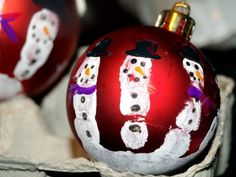 Christmas Balls - DIY crafts for kids. I did this when I was in 1st grade Ms.Clance's class