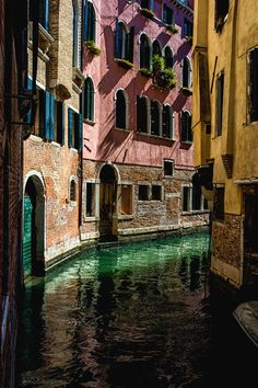 "4redbelts:  ""italian-luxury:  "" The Streets of Venice by Attila Karpati  ""  ‼️4rb⚡️‼️  ""  Great memory"
