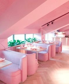 Mama Kelly Restaurant in Amsterdam. An all pink restaurant! Deco Rose, Café Bar, Pink Houses, Pink Walls, Everything Pink, Design Furniture, Pink Furniture, My New Room, Pastel Pink