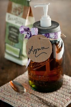 Paula Deen Vanilla Coffee Syrup and mason jar dispenser Paula Deen, Vanilla Syrup For Coffee, Mason Jar Dispenser, Soap Dispenser, Yummy Drinks, Yummy Food, Do It Yourself Food, Salsa Dulce, Dieta Paleo