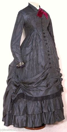Maternity dress, possibly Natural Form era, via Time Travelers Antiques.