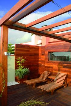 Droom van een patio. Mogelijk met Tablazz buitenparket #tablazz #patio #dakterras #tuininspiratie #terras #ibizastyle