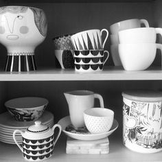 / Kitchen / black & white / tableware