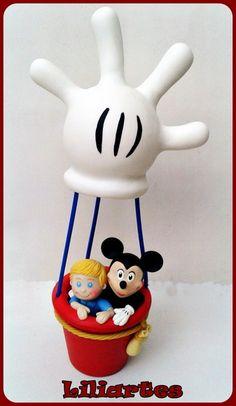 Personagens+e+balão+modelados+em+biscuit,+inspirado+no+personagem+da+Disney+:+Mickey+.++Somente+o+Balão=+R$75,00+**Também+faço+projetos+personalizados+com+o+tema,+cores+e+detalhes+que+você+escolher.+Criação+e+execução+em+biscuit+:+Liliane+Bradbury+(Liliartes) R$ 120,00