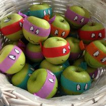 ninja turtle birthday party ideas (turn apples into ninja turtles! awesome healthy foo/snack/giveaway for a Ninja Turtle party! Ninja Turtle Party, Ninja Party, Ninja Turtle Birthday, Ninja Turtles, Ninja Turtle Games, Superhero Party, Turtle Birthday Parties, Birthday Fun, Classroom Birthday Treats