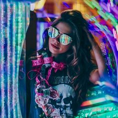 Vibrant and Moody Lifestyle Portrait Photography by The Dreamers Eye Neon Photography, Portrait Photography Poses, Photography Women, Creative Photography, Stylish Photo Pose, Stylish Girl Pic, Girl Photo Poses, Girl Poses, Neon Girl