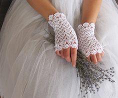 ROMANCE au Crochet dentelle mariée mitaines en blanc par elfinhouse