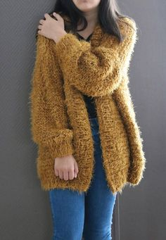 Oversized Sweater Chunky Knit Sweater Ocher Sweater Fluffy Chunky Knit Cardigan, Knitted Poncho, Knitwear Fashion, Knit Fashion, Poncho Knitting Patterns, Street Hijab Fashion, Pakistani Fashion Casual, Crochet Girls, Cats