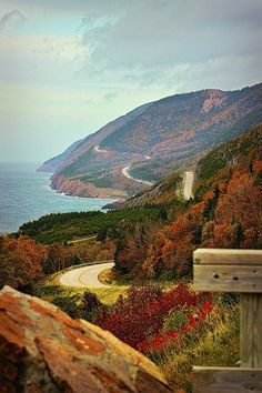 This is Cabot Trail, Cape Breton, in Nova Scotia. In the summer of my family took a road trip around the eastern parts of Canada and it was an amazing vacation to remember. Cap Breton, Outlander, Places To Travel, Places To Go, Travel Destinations, Nova Scotia Travel, Ontario, Atlantic Canada, Prince Edward Island