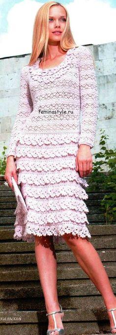 Chorrilho de ideias: Vestido cor rosa em crochet com esquema e explicação