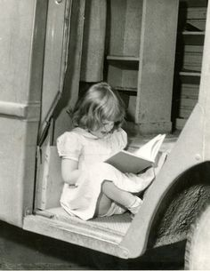 Reading in the #bookmobile