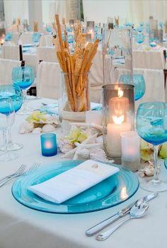 Decoração azul e branco. Inspiração para festas perto do mar (na praia)