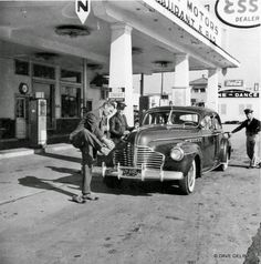 1941 Buick - Esso Gas Station - Gas Attendents - Tennessee Plate -  Circa: 1940