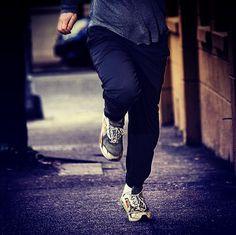 Midnight Run Helsinki 2015 täyttää kaupungin kadut 29.8.2015 yöjuoksijoilla ja iloisella tunnelmalla :) Triple Dry Finland toivottaa tsemppiä kaikille osallistujille!!! #tripledryfinland #antiperspirantti #midnightrunhelsinki2015 Helsinki, Black Jeans, Pants, Fashion, Trouser Pants, Moda, Fashion Styles, Black Denim Jeans, Women's Pants