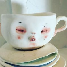 "😲""Принцесса на горошине"" 🎾  #dollechka #porcelain #фарфор #cup#чашки  #чашкакофе #чашкачая #teatime #teacup #cry #tear #art #skulpture #princess"