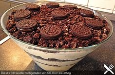 Oreo Creme Dessert, a tasty recipe from the dessert category. - desserts - Oreo Creme Dessert, a tasty recipe from the dessert category. Oreo Desserts, Dessert Oreo, Low Carb Desserts, Chocolate Desserts, Healthy Desserts, Easy Desserts, Creme Dessert, Raffaello Dessert, Oreo Torta