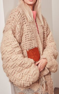 Get inspired and discover Tuinch trunkshow! Shop the latest Tuinch collection at Moda Operandi. Knit Jacket, Sweater Jacket, Cardigans, Sweaters, Knit Fashion, Fashion 2018, Knitting Designs, Crochet Clothes, Fashion Details