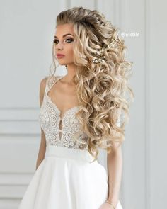 65 Long Bridesmaid Hair & Bridal Hairstyles for Wedding 2019 Long Wedding Hairstyles & Bridal Updos via Elstile / www.deerpearlflow… The post 65 Long Bridesmaid Hair & Bridal Hairstyles for Wedding 2019 appeared first on Beautiful Daily Shares. Wedding Hair Down, Wedding Hairstyles For Long Hair, Wedding Hair And Makeup, Formal Hairstyles, Bride Hairstyles, Down Hairstyles, Pretty Hairstyles, Bridesmaids Hairstyles, Hairstyle Ideas