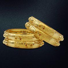 Gold Bangles Design, Gold Jewellery Design, Gold Jewelry, Stylish Dress Designs, Stylish Dresses, Cartier Love Bracelet, Gold Earrings, Bracelets, Suit